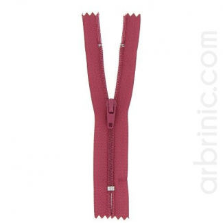 Nylon finished zipper Raspberry